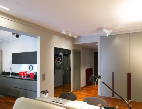 An open kitchen in the middle – The Ilissia apartment